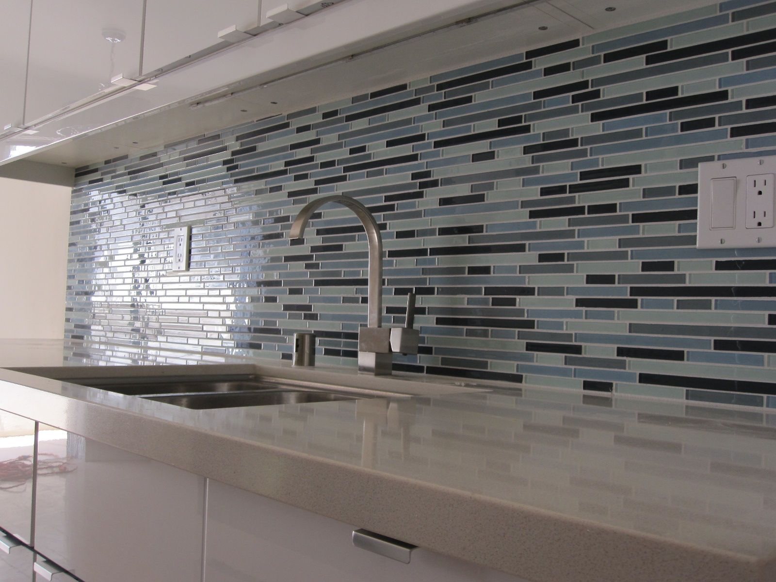 Luxury Blak White And Blue Mosaic Tile Backsplash Ideas