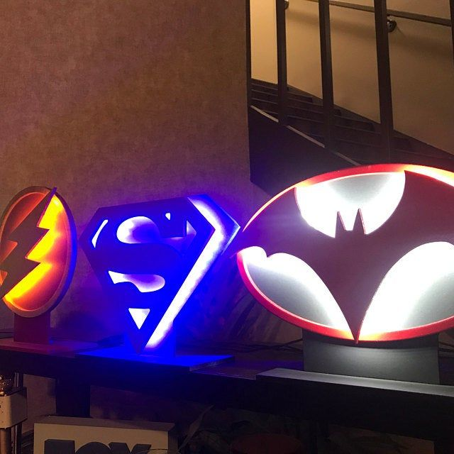 NEW!!! Dual LED Color Spiderman comic book superhero illuminated logo nightlight tor mancave or childs bedroom