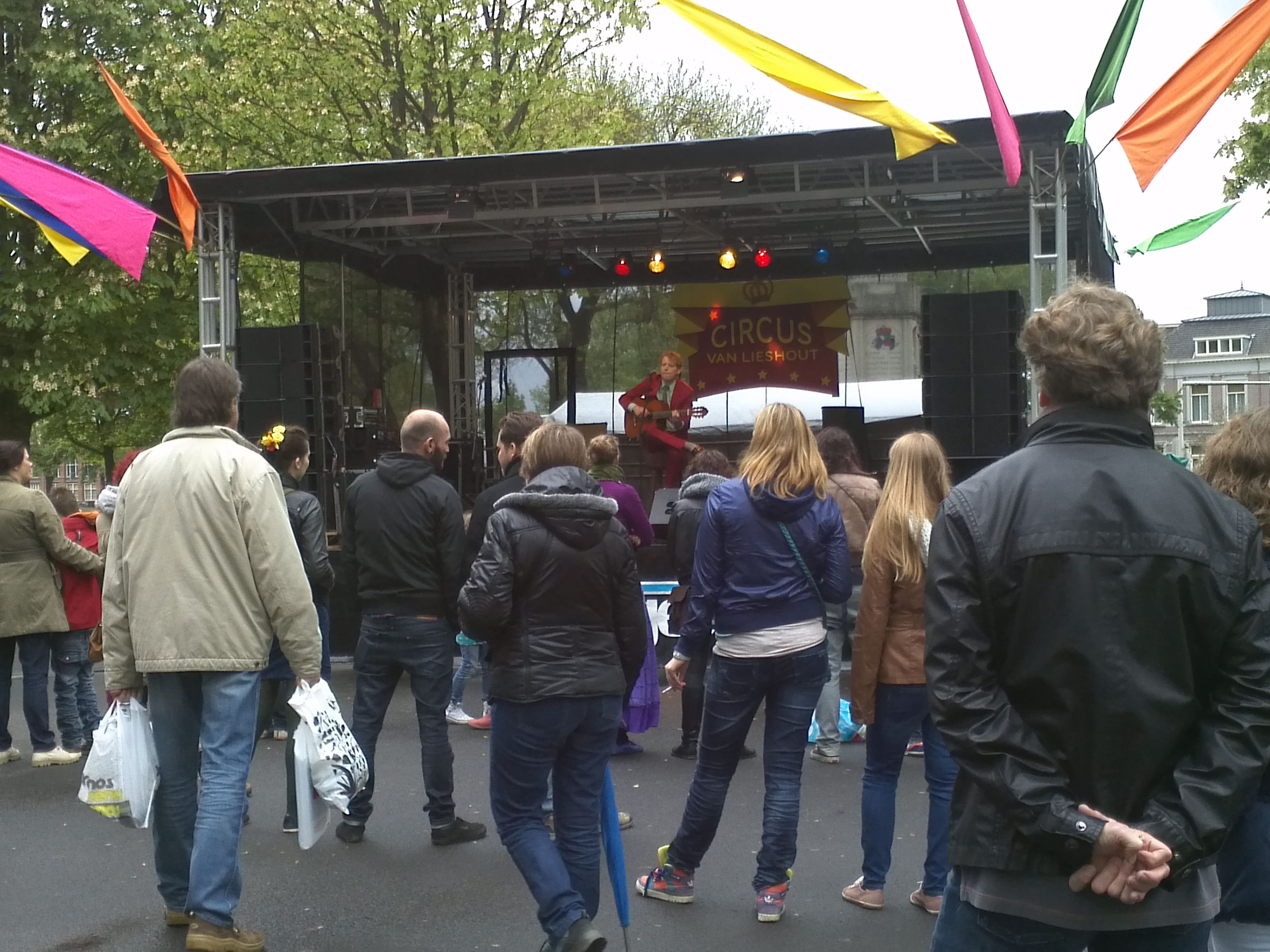 Bevrijdingsfeest Breda 5 mei 2012  Liberation Day Event Breda   In Citypark Valkenberg   Singer/songwriter Leon van den Langenberg