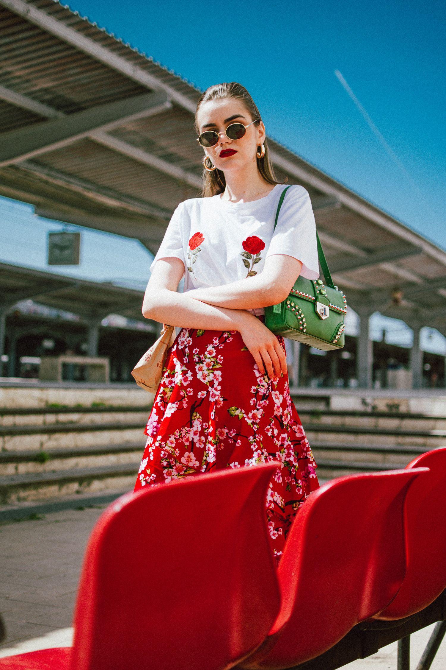 9703cafd0e63f NA-KD asymmetric floral print skirt, rose patch t-shirt, gucci heart
