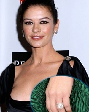 Catherine Zeta Jones 2 Million Engagement Ring From Michael Douglas Other Celeb Rings