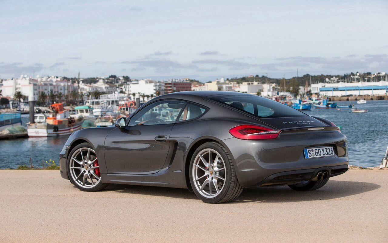 The new 2014 Porsche Cayman S