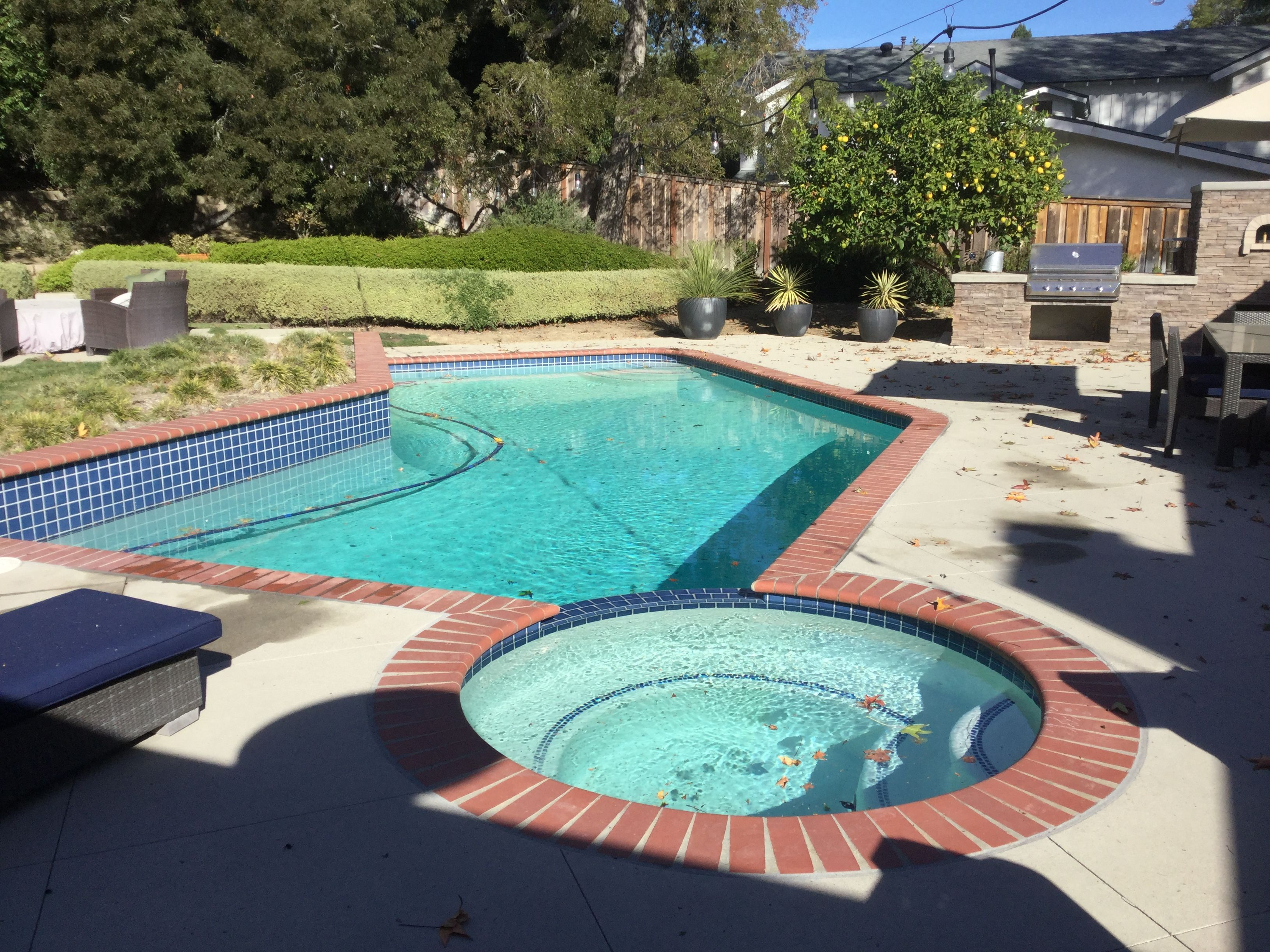 When It Comes To Owning A Swimming Pool In Southern California Dealing With High Levels Of Calcium Hardness Ch In The Pool High Calcium Swimming Pool Water