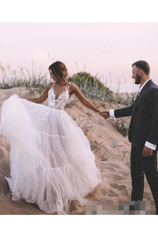 Layered Tüllrock ungefüttert Hochzeit Ballkleid mit tiefem V-Ausschnitt Brautkleider € 228.33 SAPGYPKTAJ - SchickeAbendKleider.de