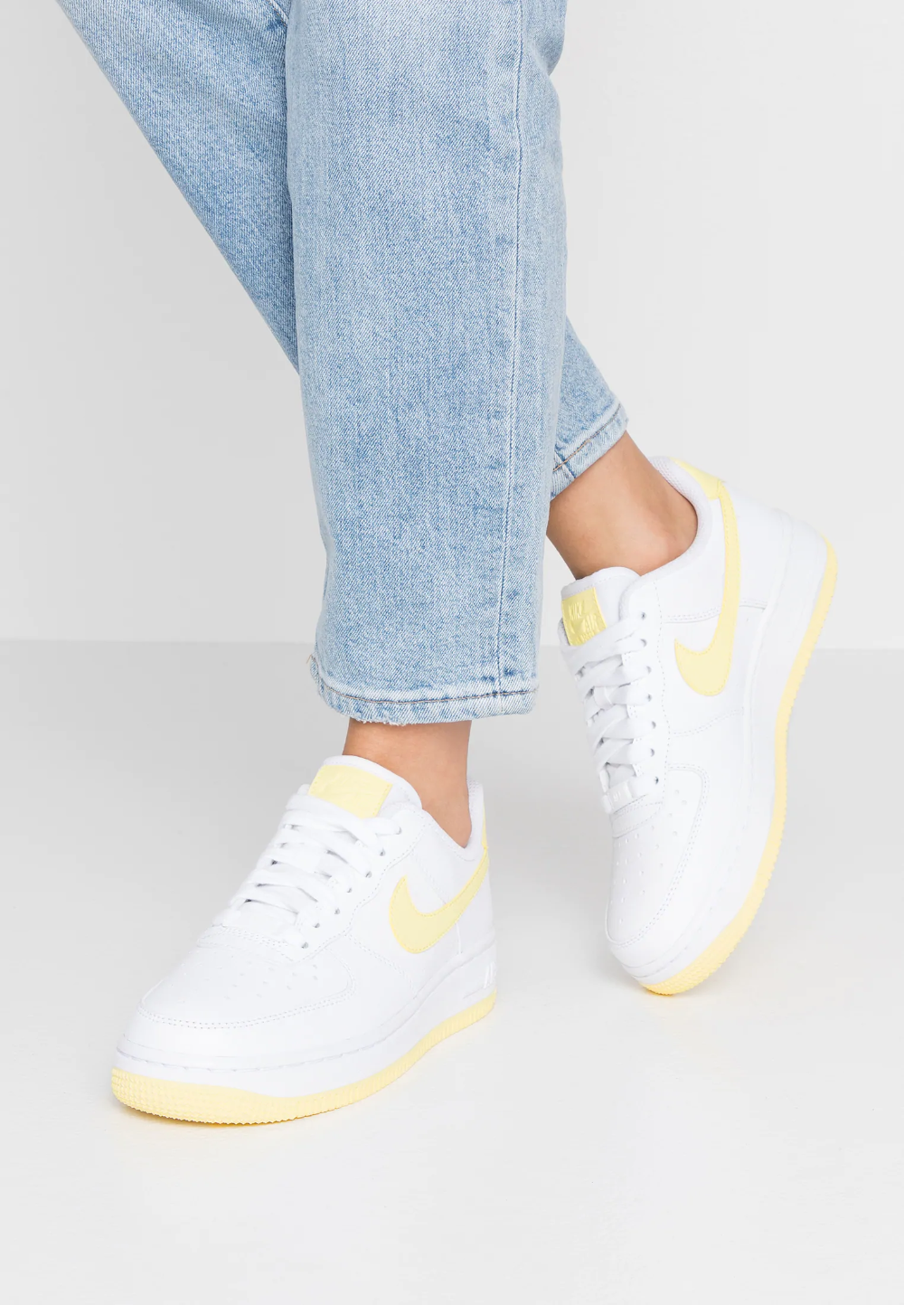 AIR FORCE 1'07 - Baskets basses - white/bicycle yellow/dark ...