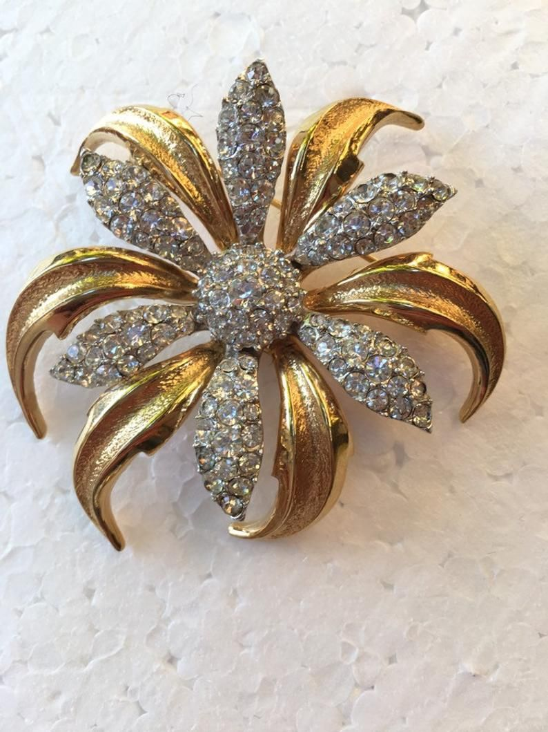 a33cc5f4065 Boucher signed Flower Rhinestone Brooch number 7198 with Pave Set ...