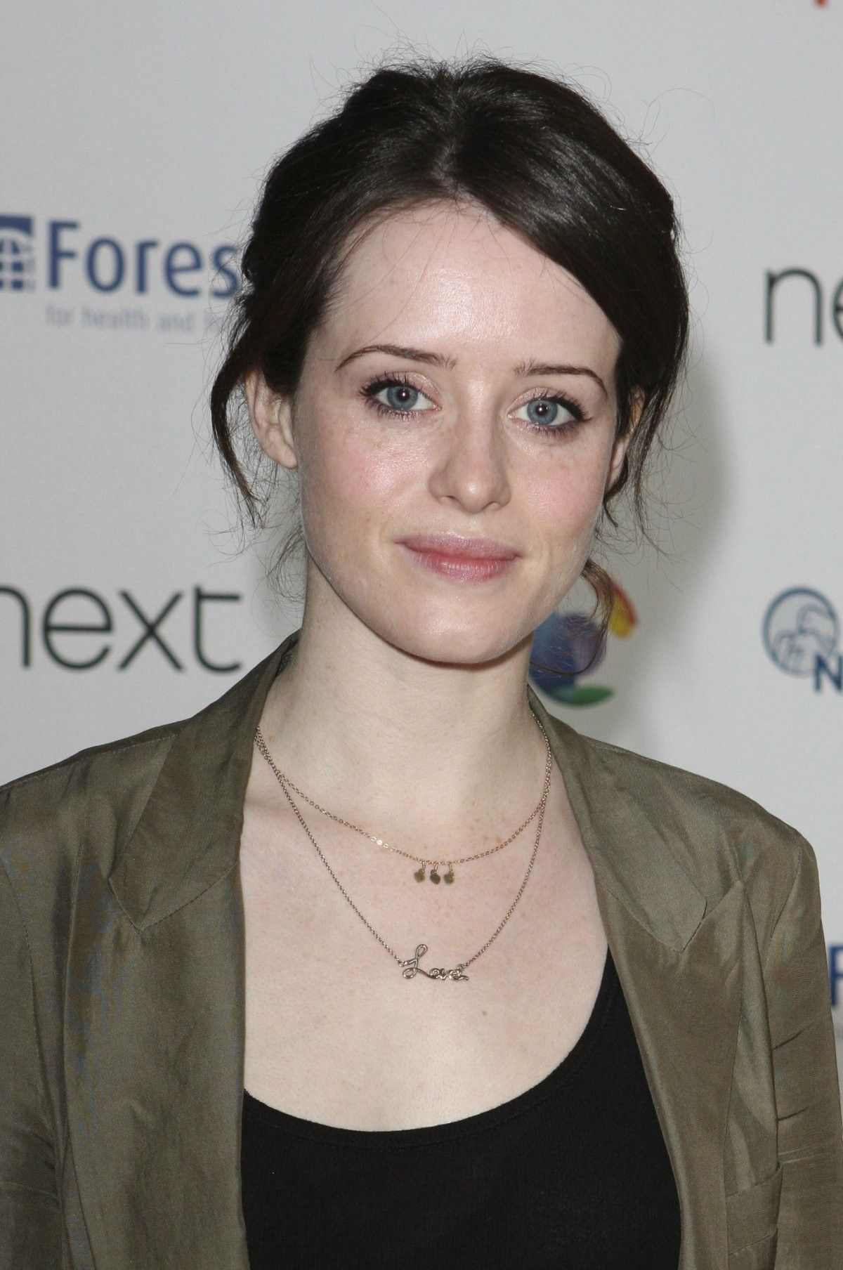 claire foy queen