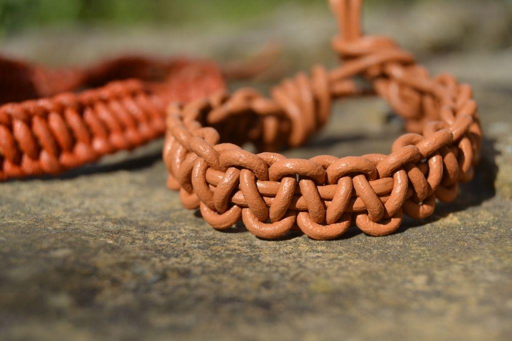 Faire un bracelet homme cuir