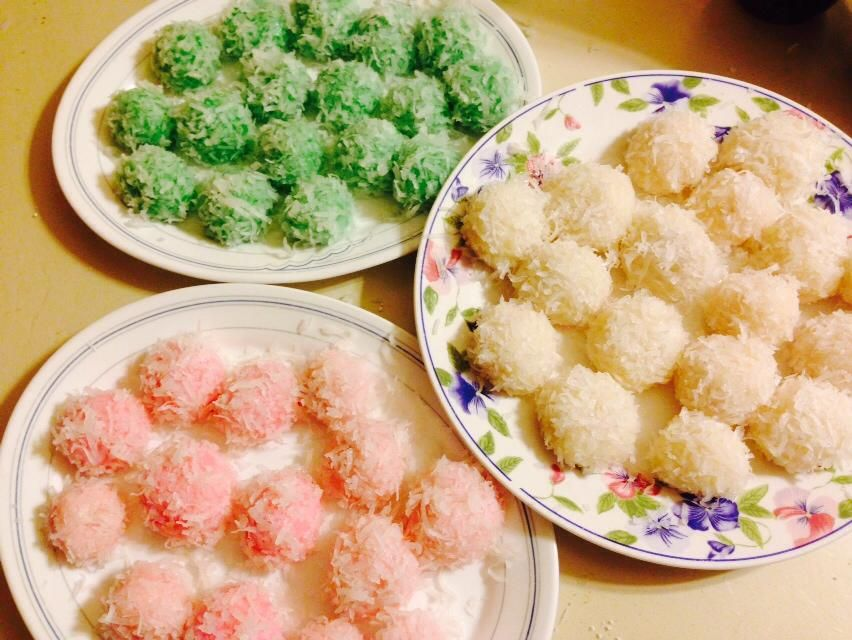 Here is an easy yet very delicious recipe for colorful coconut here is an easy yet very delicious recipe for colorful coconut balls enjoy asian food forumfinder Gallery