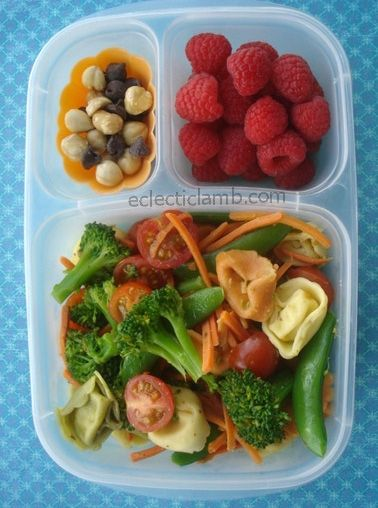 Tortellini packed for lunch | with @EasyLunchboxes containers