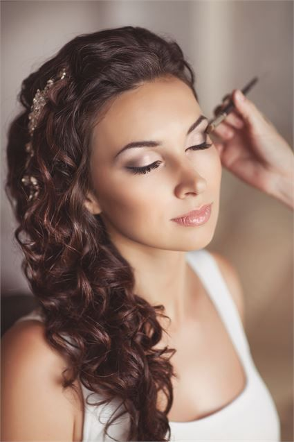 love this... not to heavy and yet beautiful | Wedding Makeup ...
