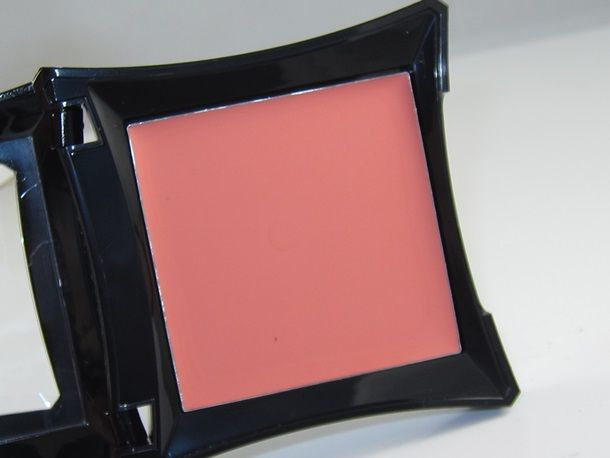 Illamasqua Velvet Blusher Review Swatches Musings Of A Muse Blusher Swatch Velvet