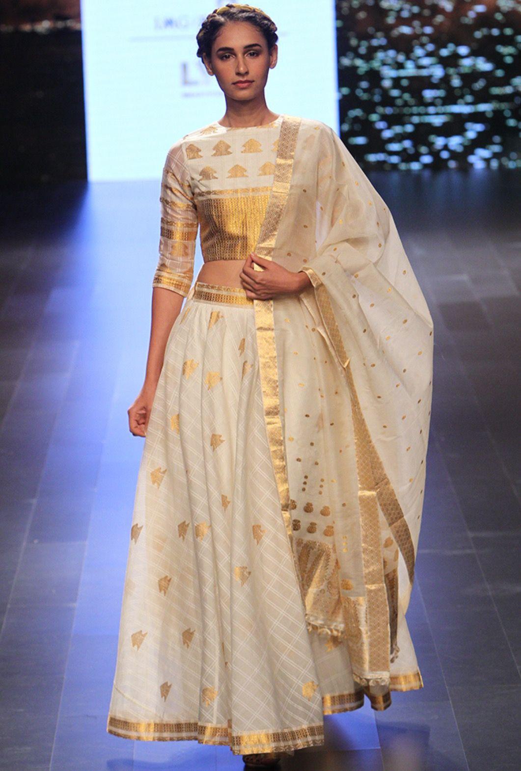 leading interior designers in kerala sarees