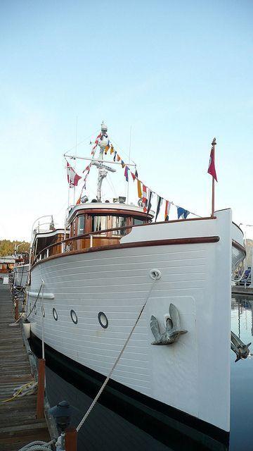 pin von j rg starker auf boats yachts pinterest yachten schiffe und boote. Black Bedroom Furniture Sets. Home Design Ideas