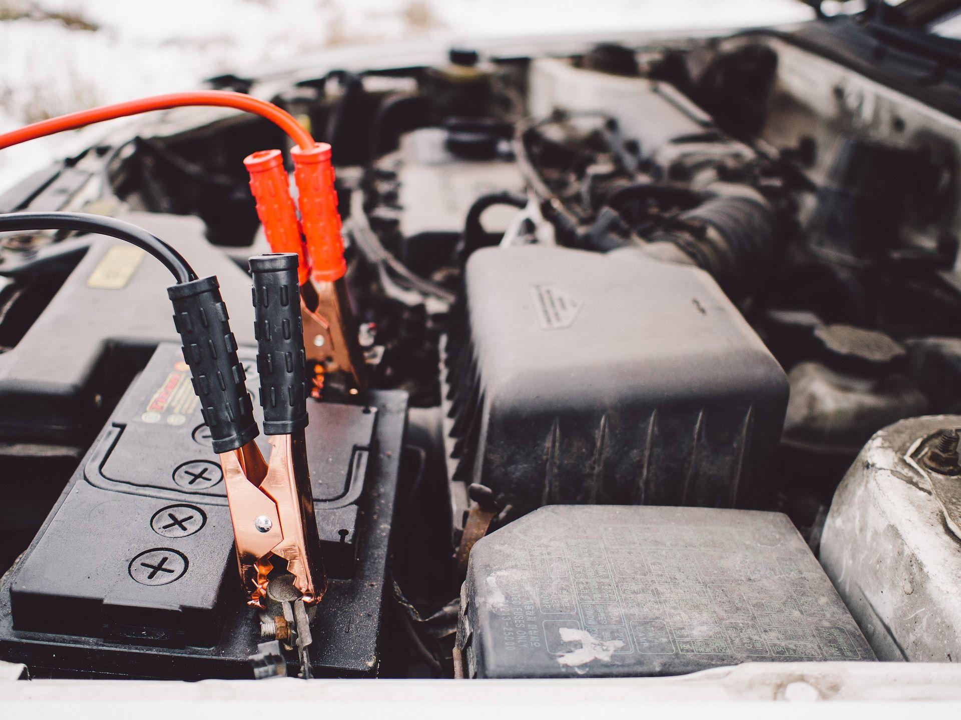 Como Cambiar La Bateria Del Coche Dead Car Battery Car Battery