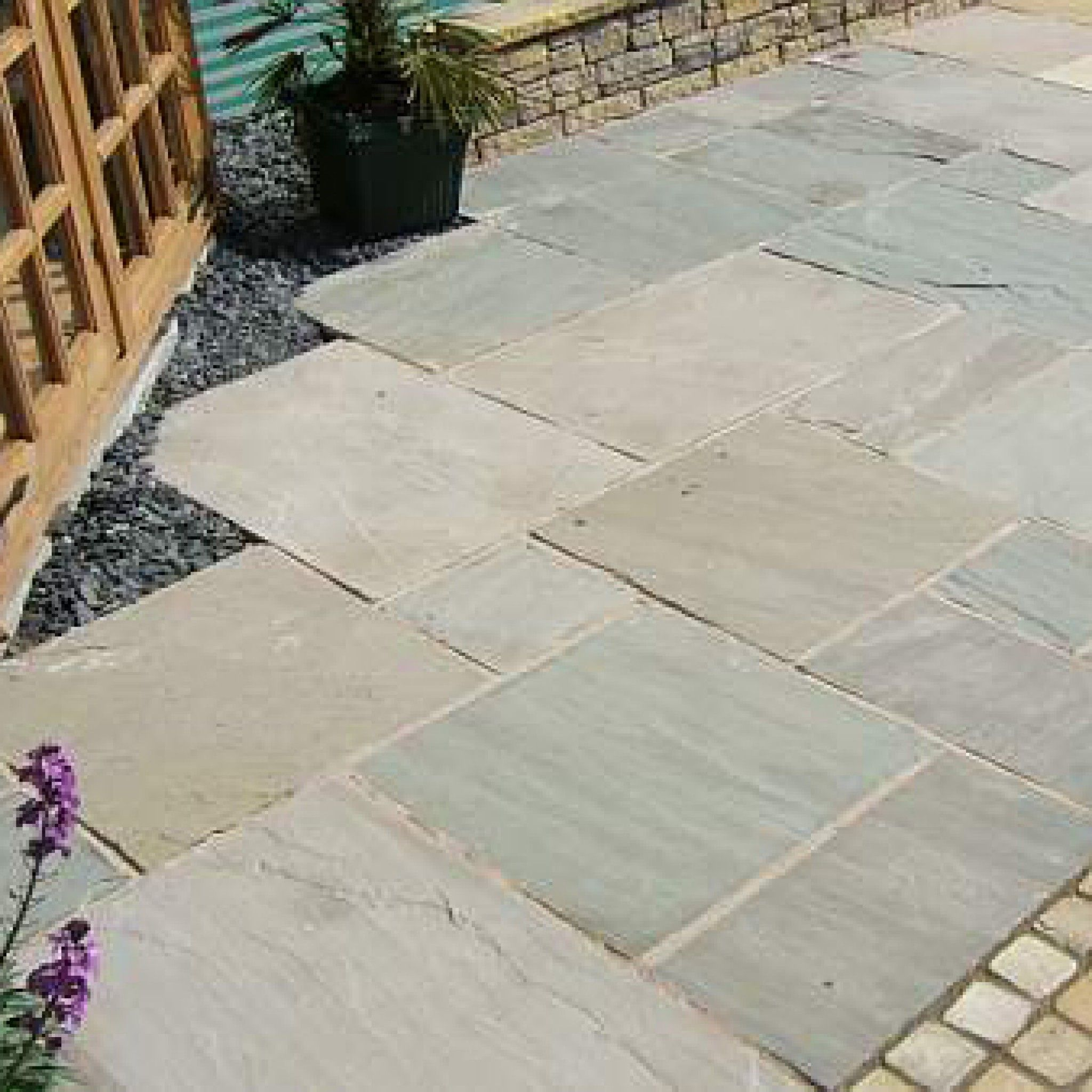 Bradstone Natural Sandstone Paving Silver Grey Patio Pack 15 30 M2 Per Pack Natural Stone Paving Garden Paving Patio Garden Rock Garden Landscaping