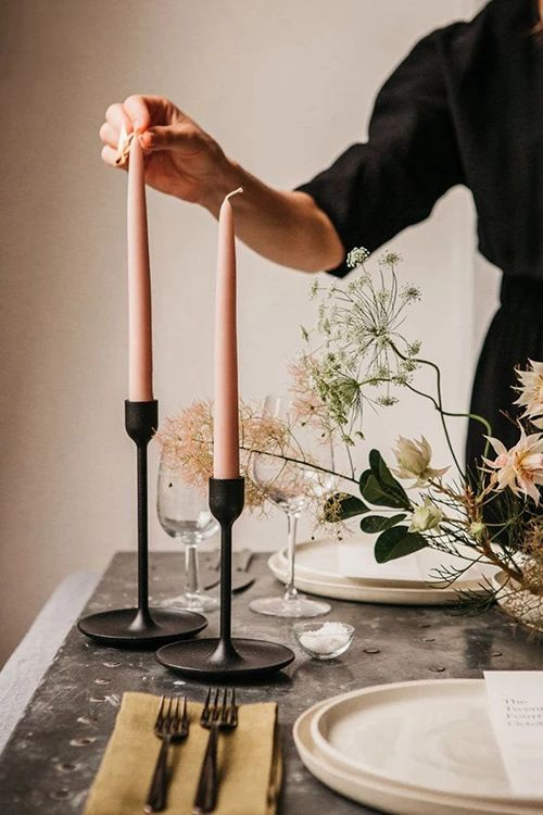 Pole Morandi Color Candle – myslady #modernwedding #tabledecorations #minimalistwedding #centrepieces #candles #candleholder