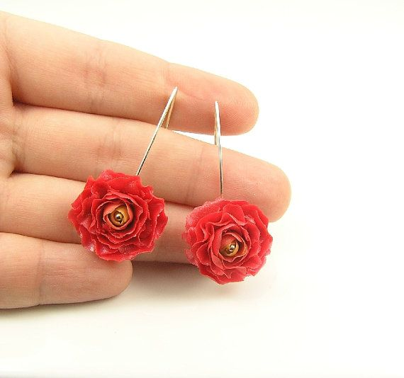 Red Ranunculus Flowers Handmade Polymer Clay By Segitanna On Etsy Polymer Clay Earrings Clay Earrings Floral Jewellery