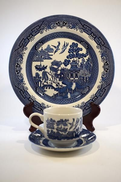 Churchill Blue Willow Fine English Tableware set includes four cups saucers and dinner plates pieces). Microwave and Dishwasher safe. & 12 PC Churchill Blue Willow Set | CUPS AND SAUCERS | Pinterest ...