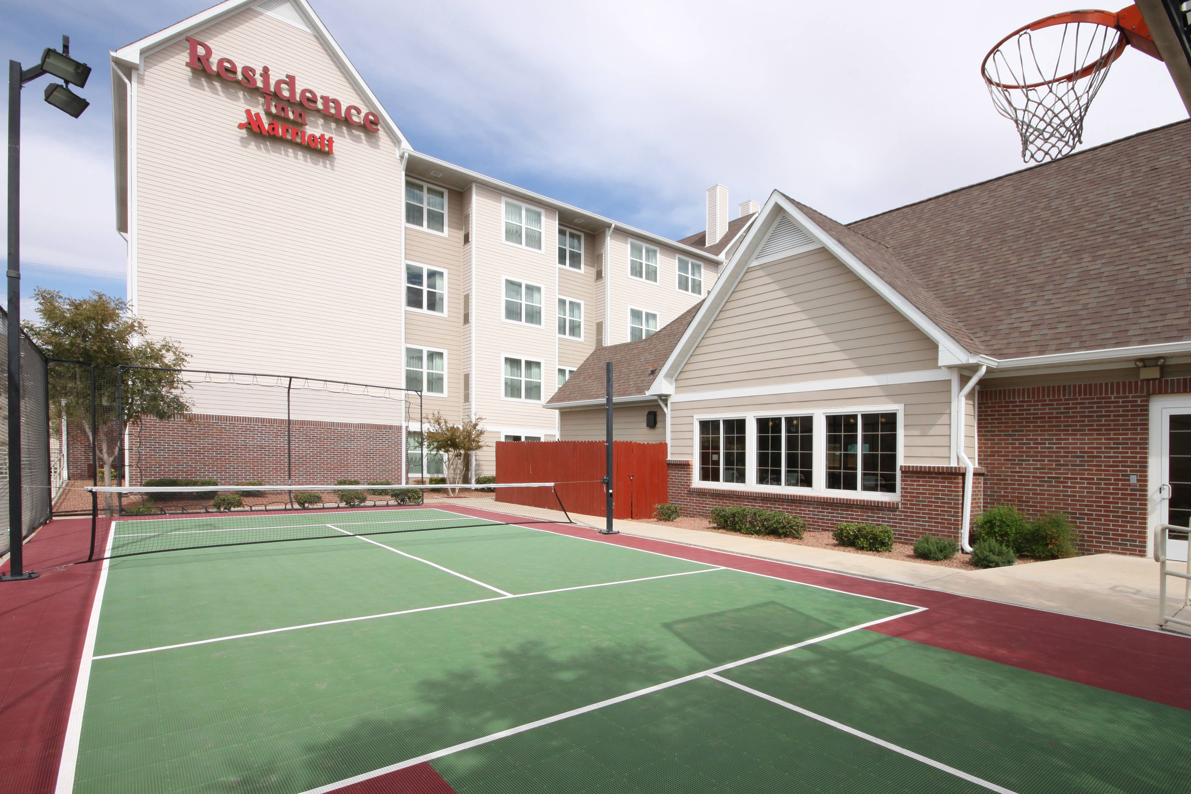 Residence Inn El Paso Sport Court happy, holiday, Guest
