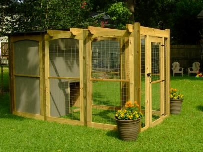 How To Build A Dog Run With Attached Doghouse Diy Dog Run Dog