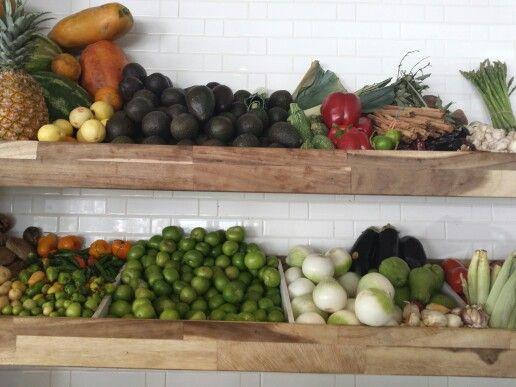 Coman frutas y verduras @daniel_ovadia #peltre  #hotspot ♡