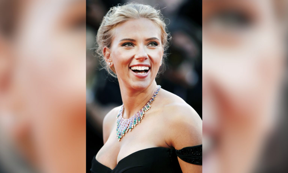 "Scarlett Johansson ""Romanticised"" Marriage To Ryan"