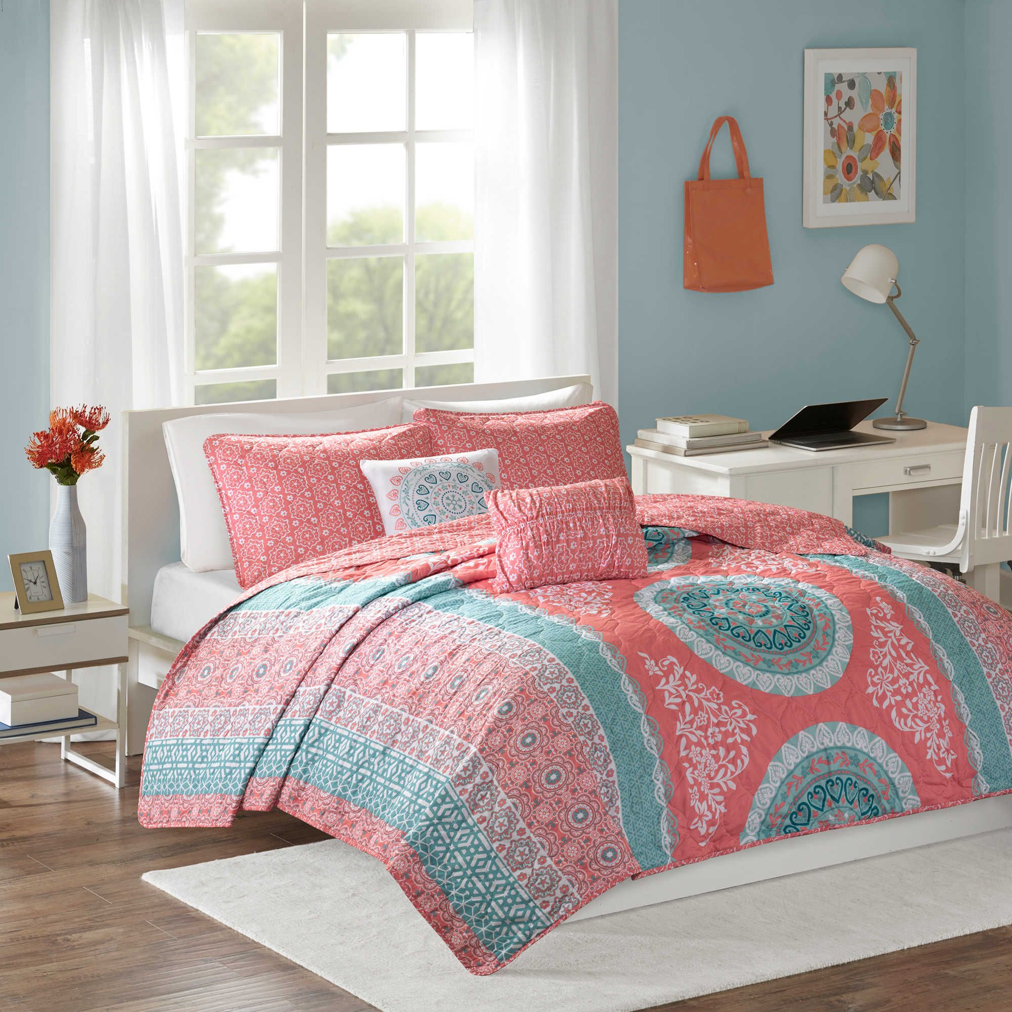 Intelligent Design Loretta 4 Piece Coverlet Set In Coral