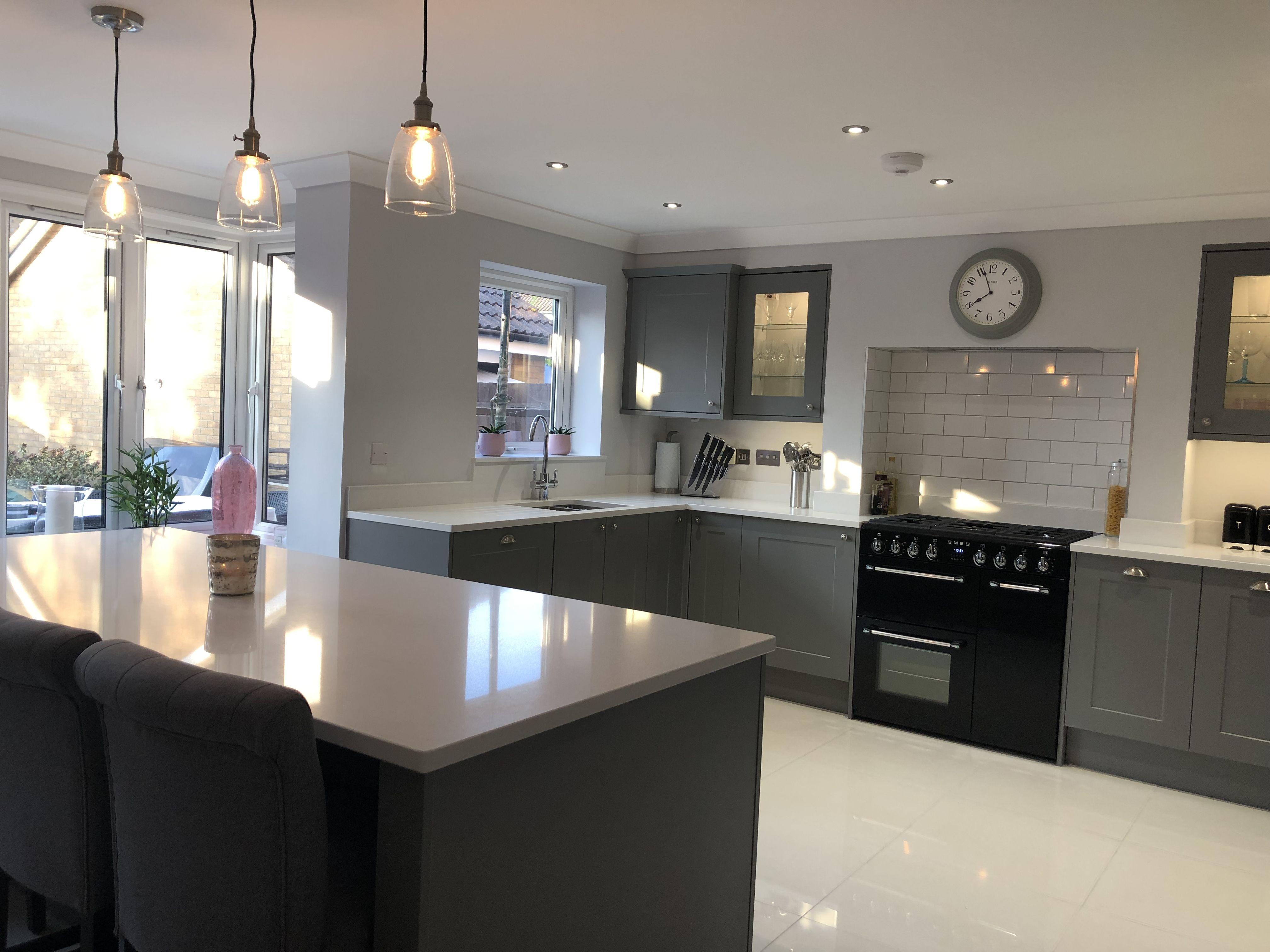 Howdens Chelford Slate Grey Shaker Kitchen Grey Shaker Kitchen Modern Grey Kitchen Kitchen Decor Grey