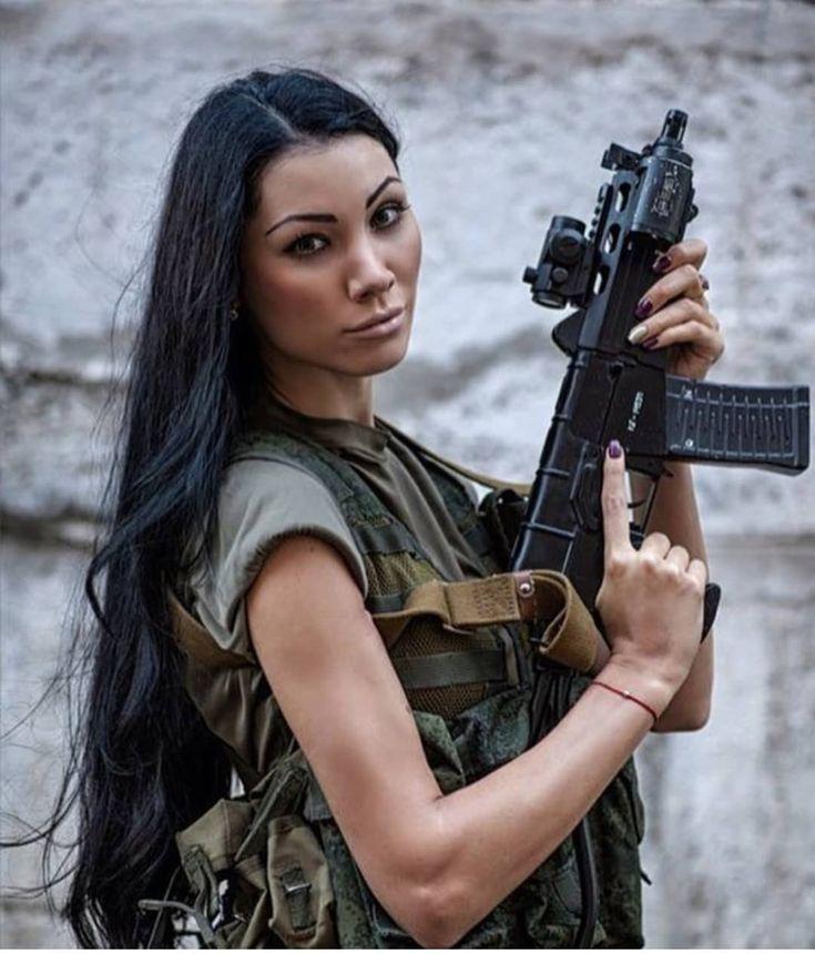 Girls & Guns - Women & Weapons