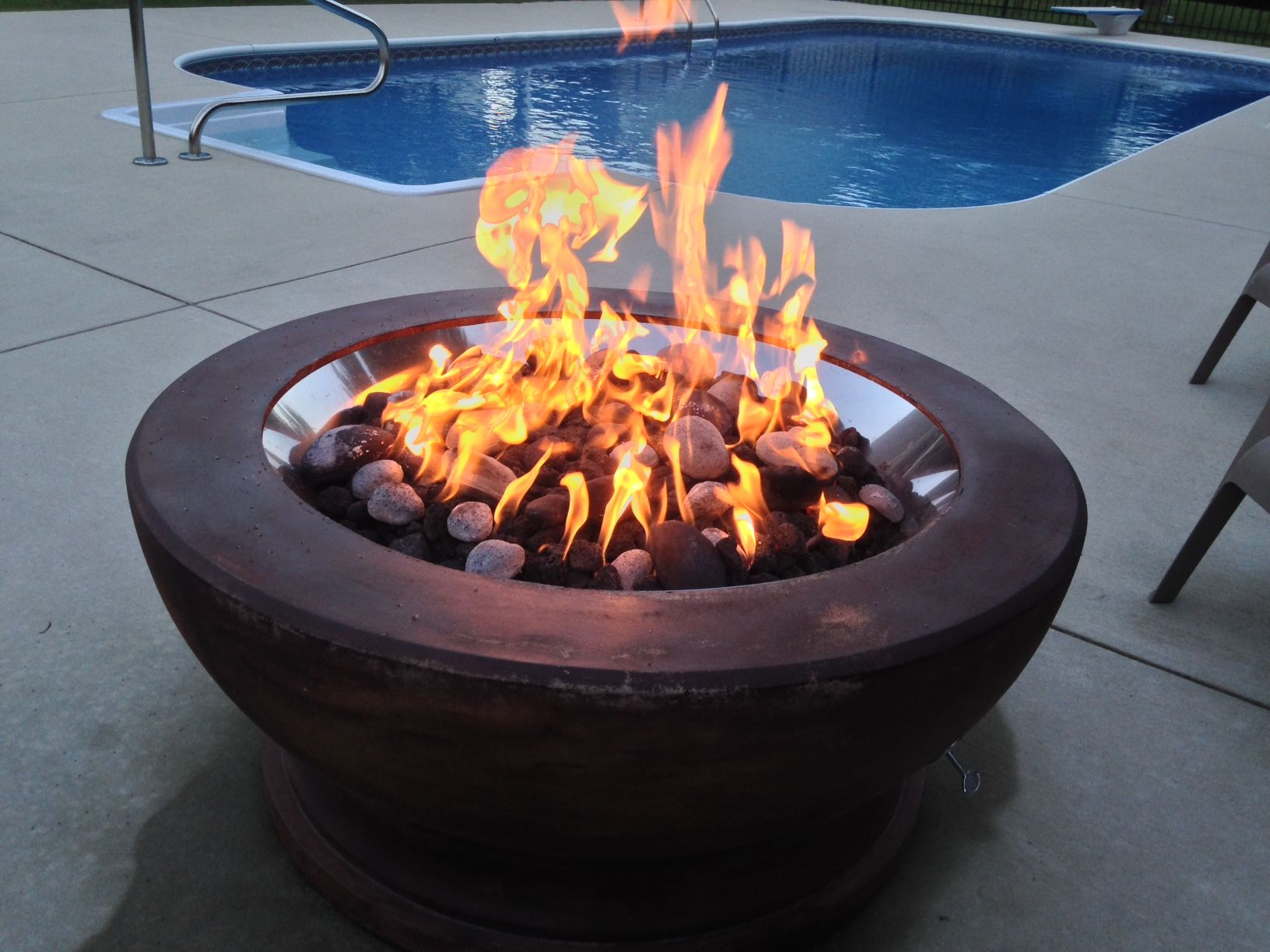 This Is One Of Our 25 Gas Fire Pit Inserts Installed Into A Concrete Planter With Black River Rock Stones Used Inside The Fi Gas Firepit Fire Pit Fire Pit Kit