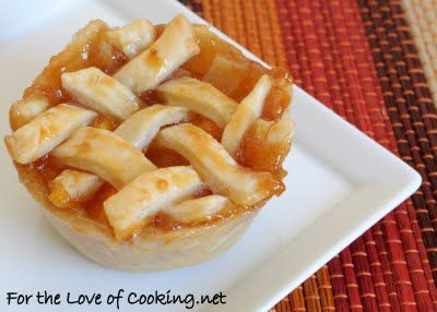 Mini Peach Pies. Sounds so good right now! Pin links to recipe!