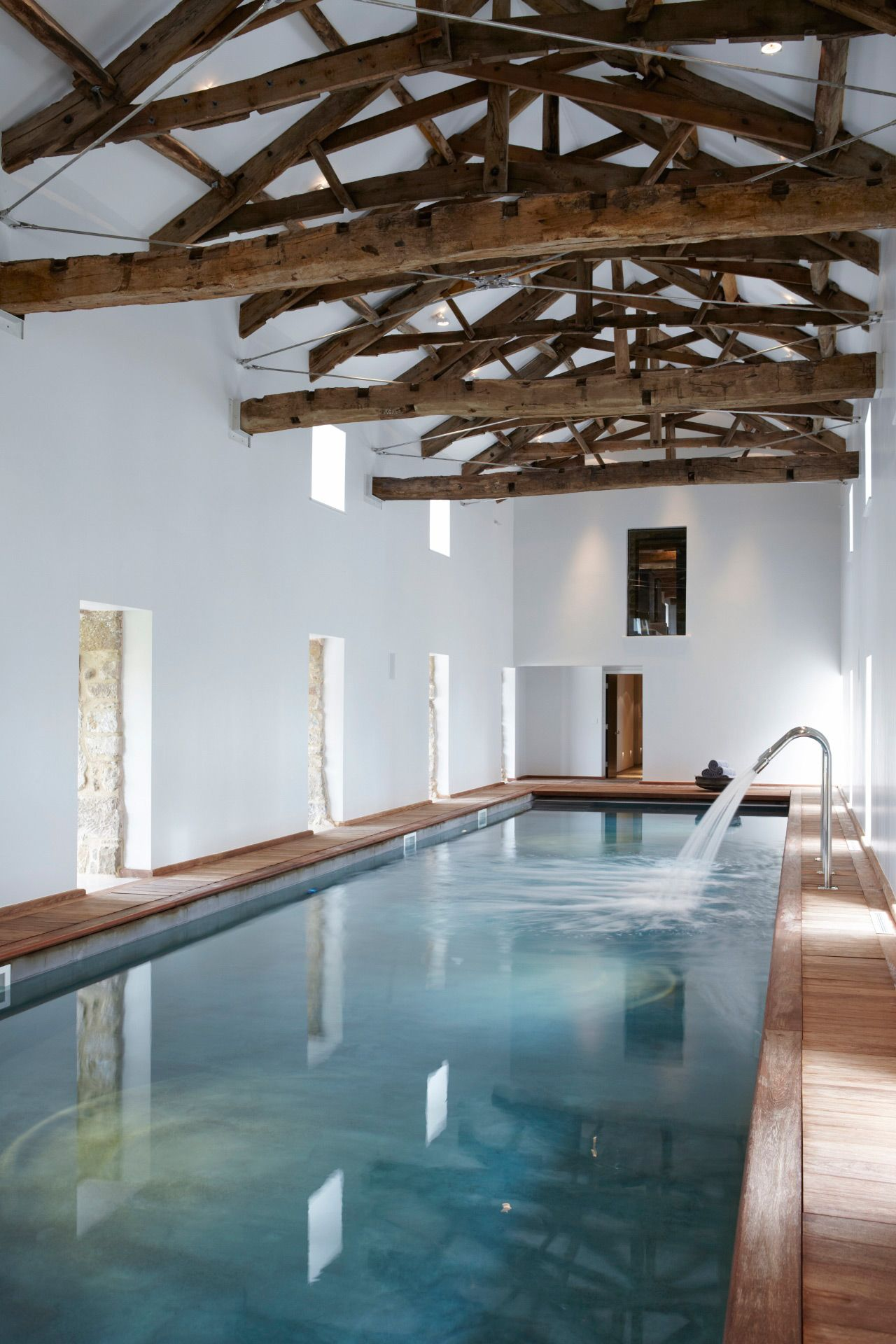 Rustic Indoor Pool In A Home In Yorkshire Uk Designed By Fiona Barratt Schuur Verbouwing Zwembad Achtertuin Zwembaden