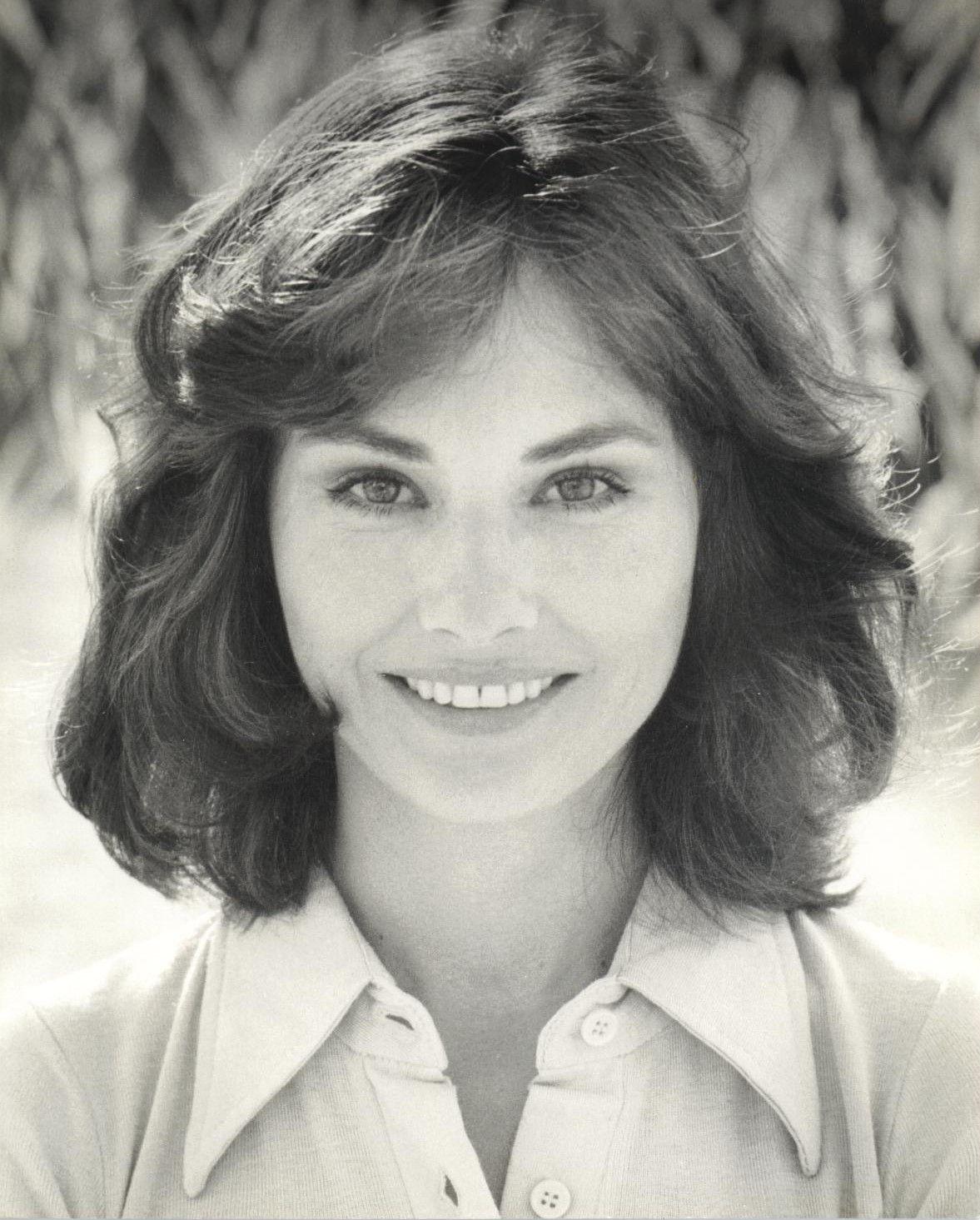 Lori Saunders