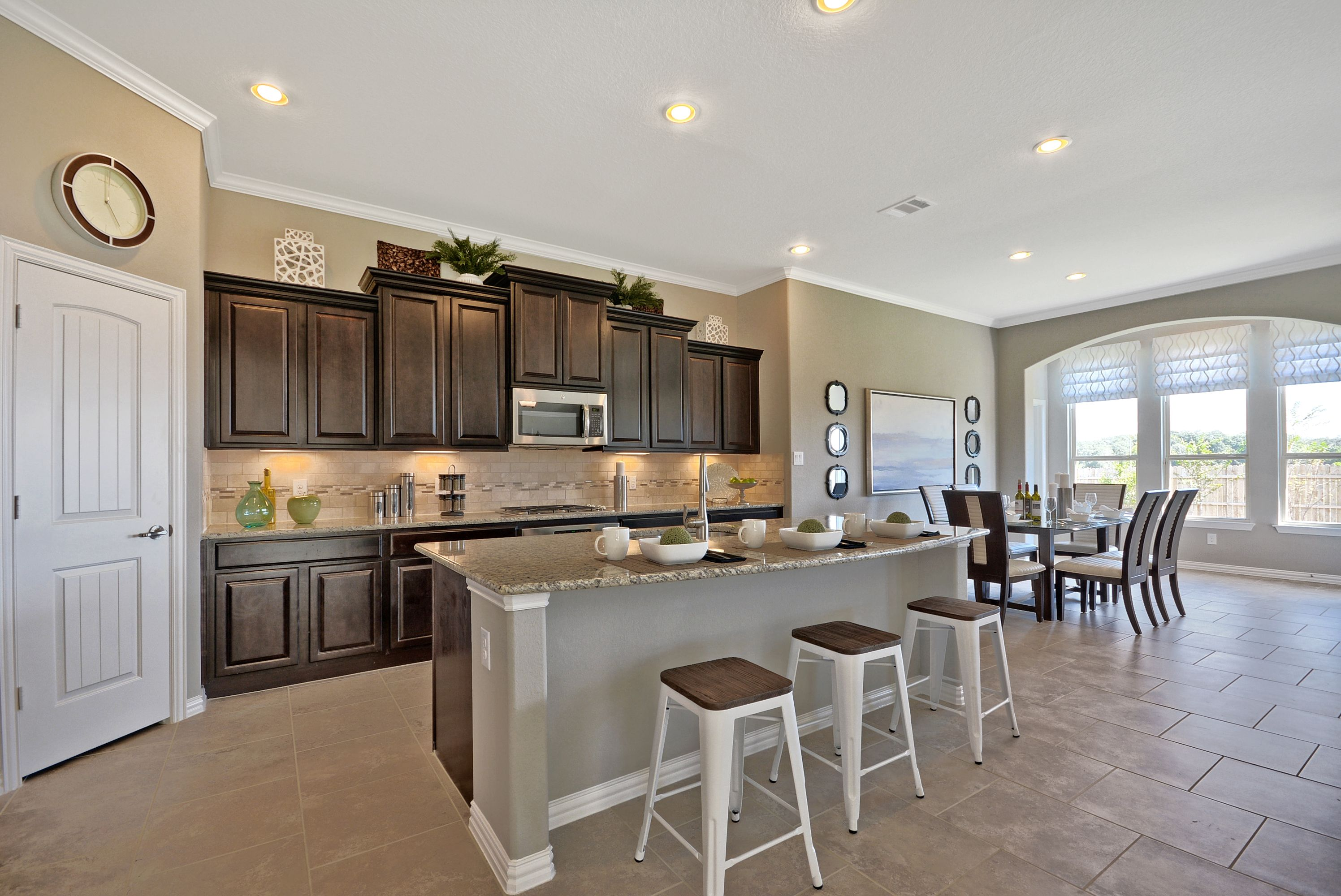 Are you FINE with a kitchen and dining room BINED