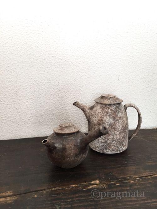 Pots by Izumita Yukiya