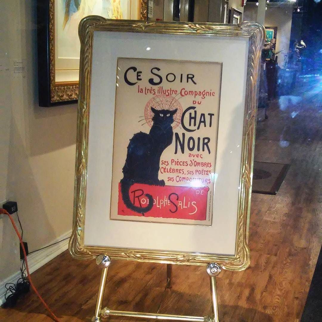 For all you #miraculousladybug lovers here's the iconic #chatnoir poster x'D New Orleans is pretty chill but busy down in French Quarter we saw 6-7 parades while waiting for food on Saturday. All of them were weddings lmao #neworleans #artmuseum #painting #gallery #frenchquarter by heirave
