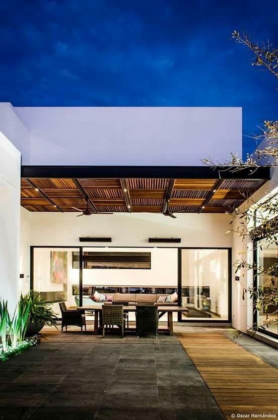 Pin de jugs mil en backyard pinterest terrazas for Techos exteriores modernos