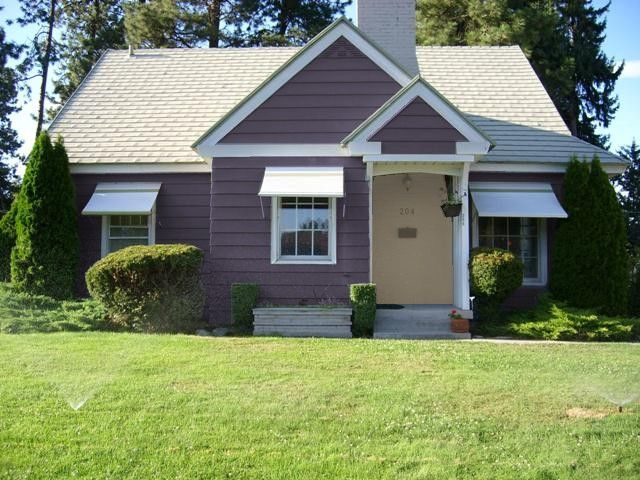 Plum Purple House I Saw One Like It Before Near My But S Colorplum Purpleexterior