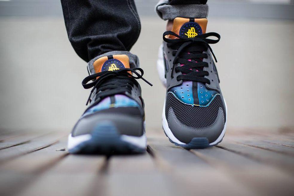 buy online 80886 b03d5 Nike Air Huarache SD Black Persian Violet True Yellow