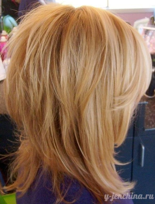 Стрижки каскад на средние волосы: фото   Стрижка, Слоистые ...