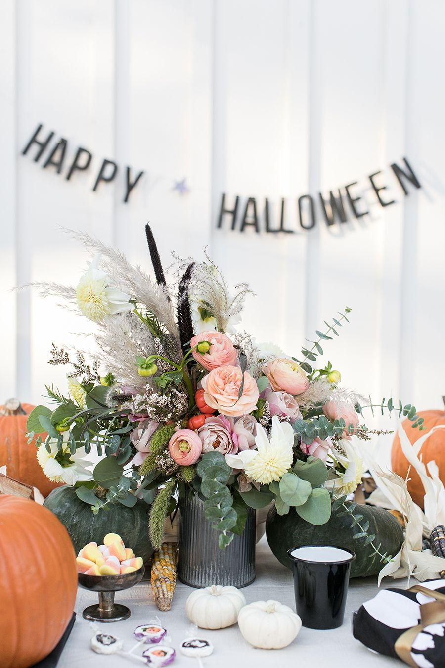 How to throw a pumpkin carving party charming parties pinterest