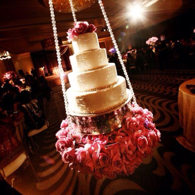 Amazing Wedding Cake Hanging From Ceiling Wedding Cake Table Suspended Wedding Cake Hanging Cake