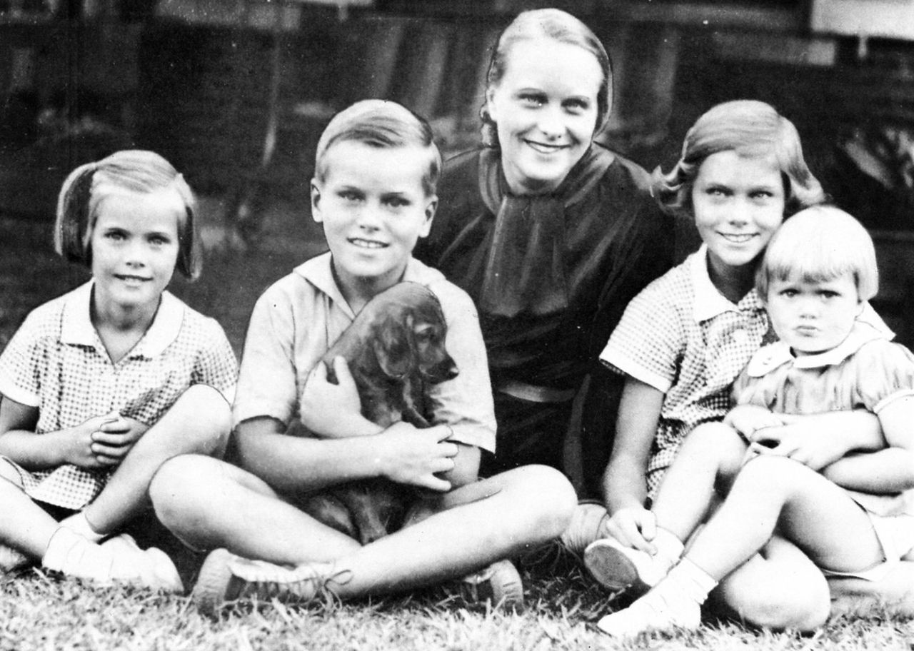 Grace Kelly (left) posing with her brother Kell, her mother Margaret and her sisters Peggy and Lizzie.