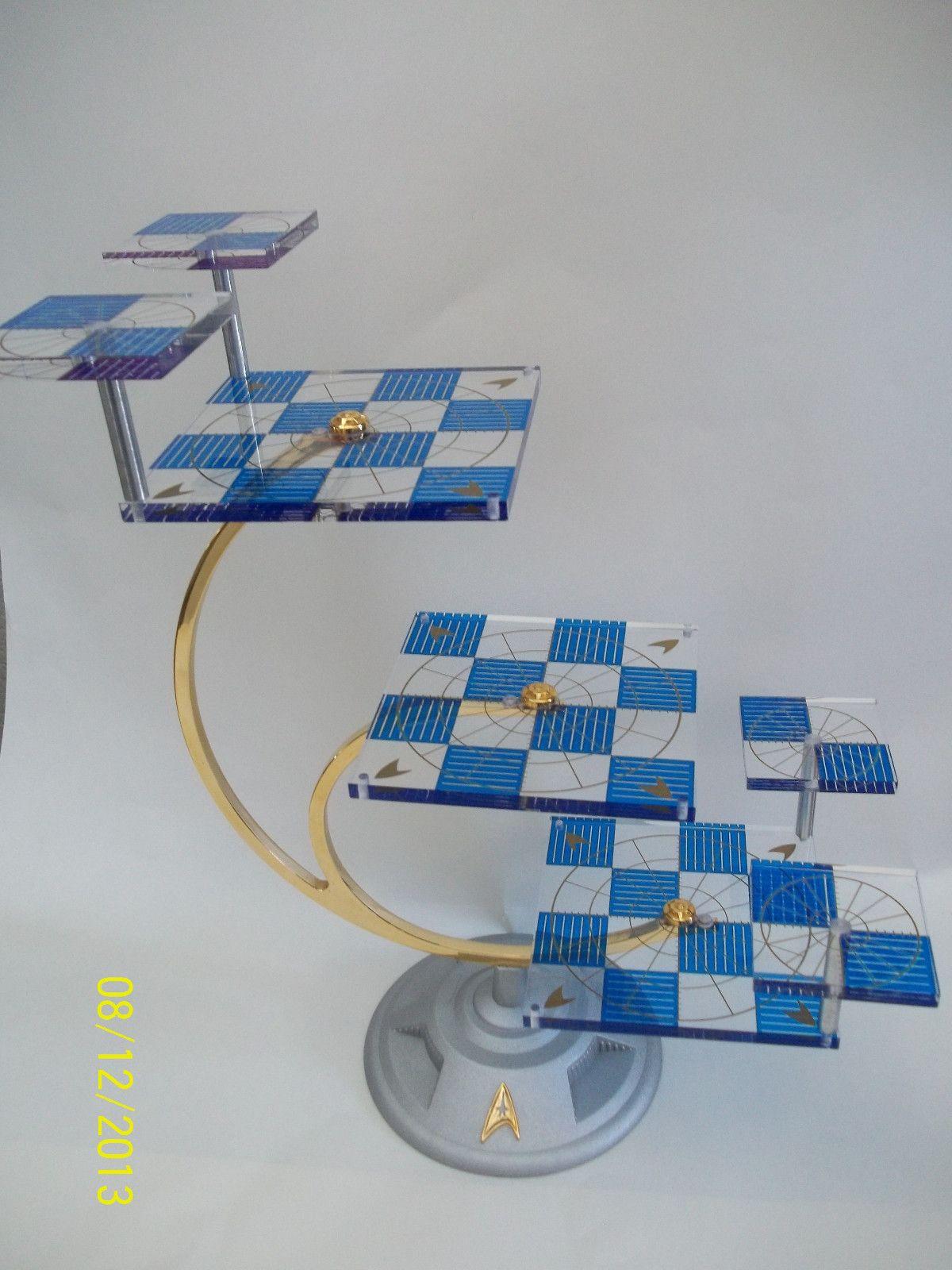 Original Star Trek 3d Tridimensional Chess Set Franklin Mint