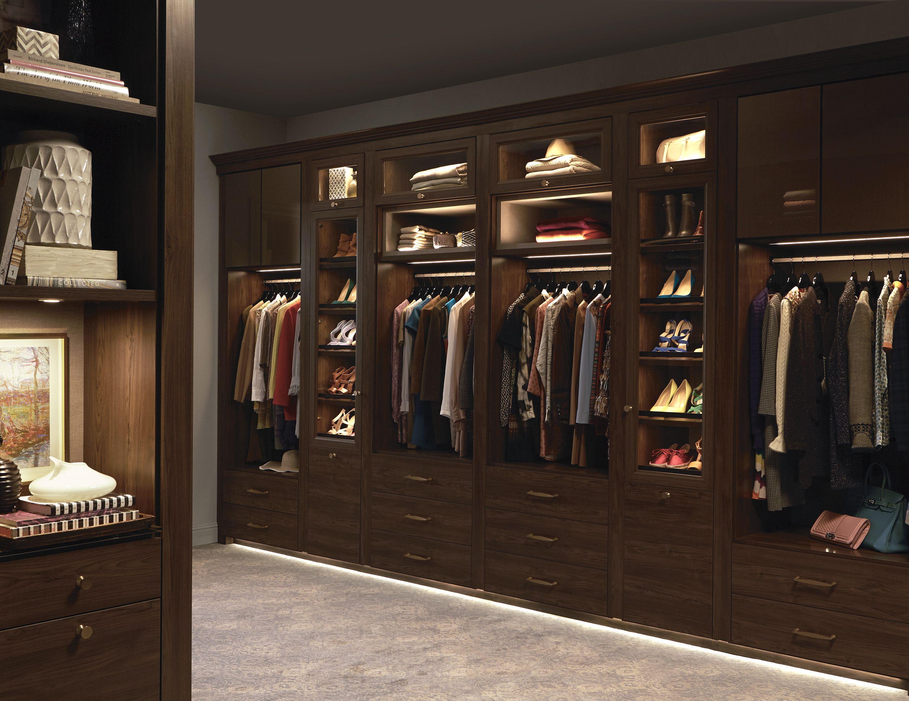 Walk In Closet Systems California closets, Closet