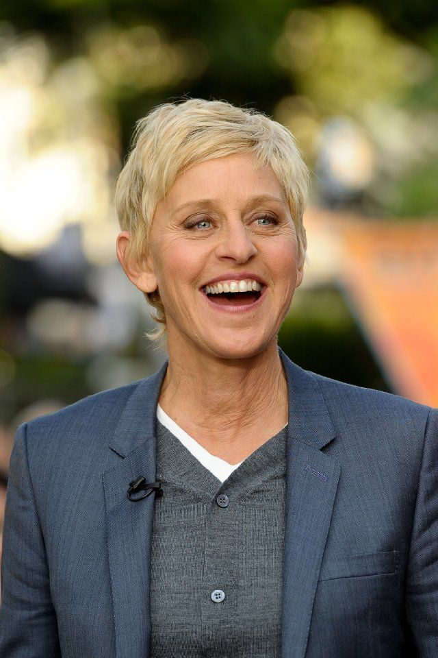 how to write to ellen degeneres for help Ellen degeneres does help people directly ellen is a successful and generous person who has leveraged the visibility of her television show to create positive stories about making a life changing different in the lives of individuals.