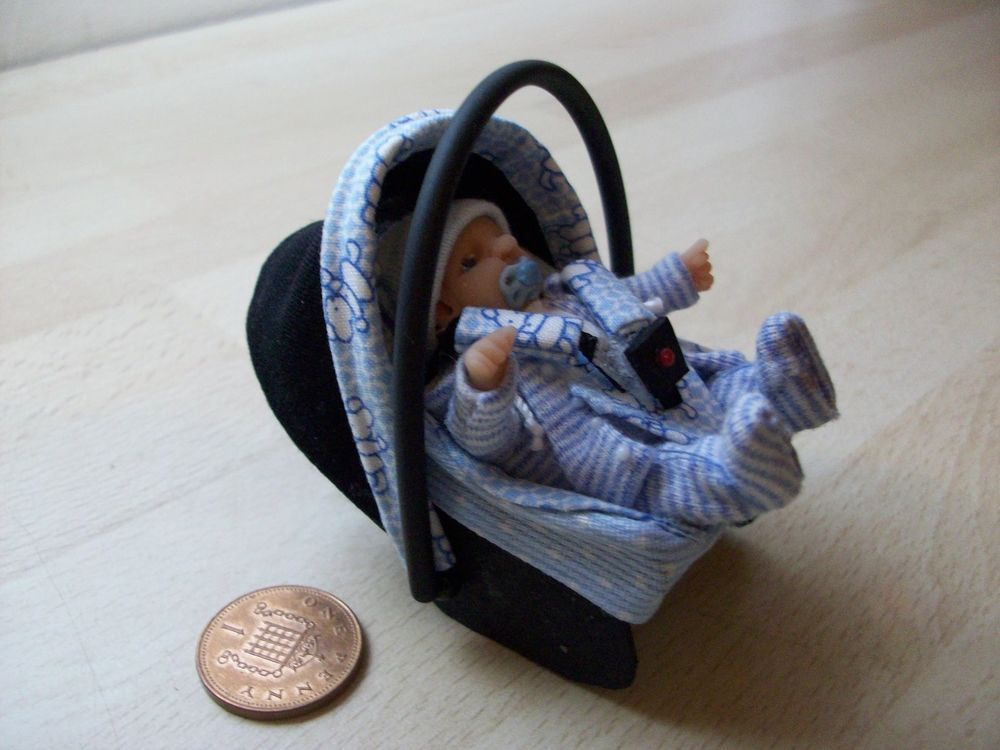 Dolls House Ooak Sculpt Baby Boy Car Seat Baby Carrier