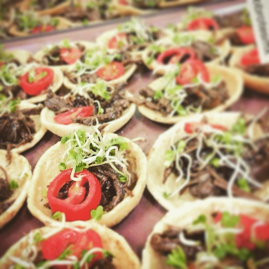 #Repost @ecobrotesmx with @repostapp.  Chalupa de salpicón de venado con balsámico de trufa #ChefLife #Gastronomy #ChefPorn #Delicious #Microgreens @chefsoninstagram #delicious #Gourmet #chalupadevenado by lacanaperia