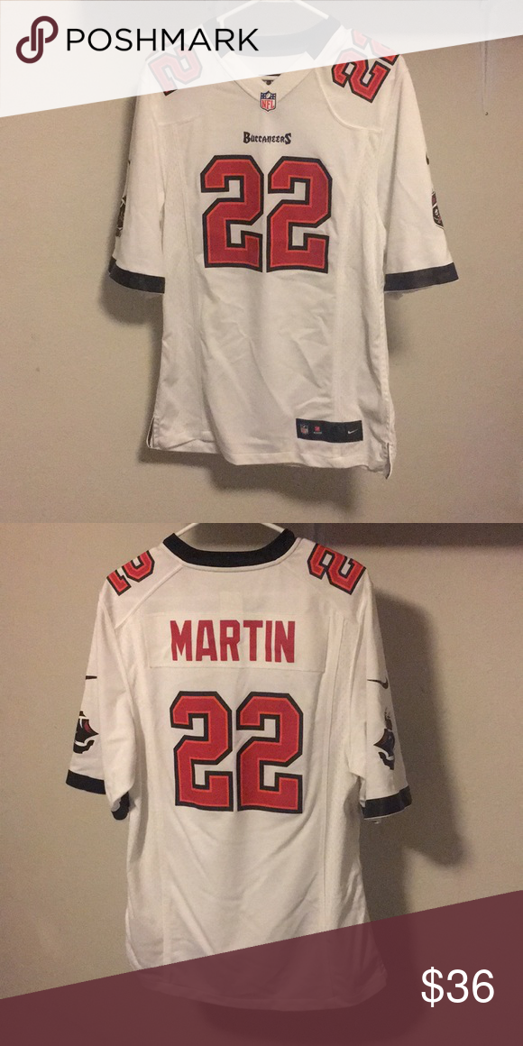 new arrivals 79de4 bb750 Tampa Bay Buccaneers, Doug Martin's Jersey White, red, and ...